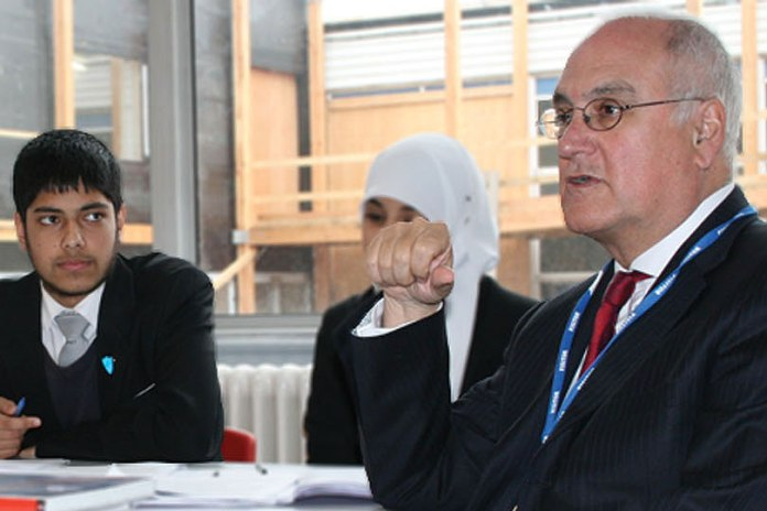 "Michael Wilshaw, the UK's top schools inspector, said Park View was doing ""fantastically well"" on a visit  to the school in 2012 [http://www.pvet.co.uk/]"